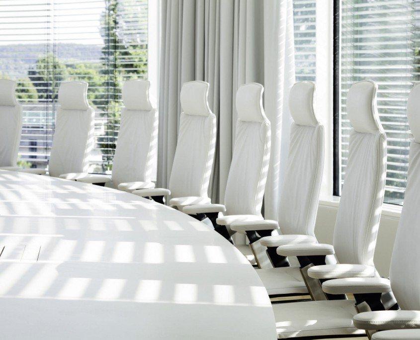 BGV Konferenzraum Möbel